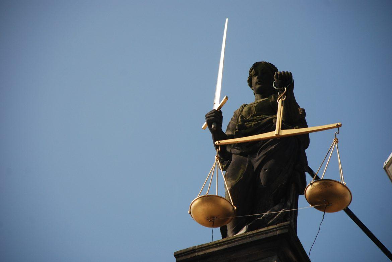 lady-justice-677945_1920.jpg