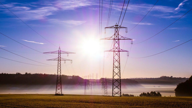 El Ministerio de Energía distorsiona la previsión del precio del mercado eléctrico para reducir en 600 millones la retribución de las renovables