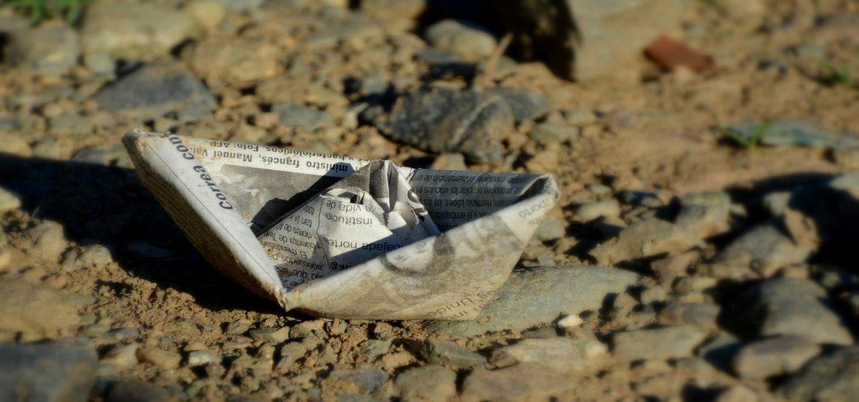 paper-boat-2101247_1920.jpg